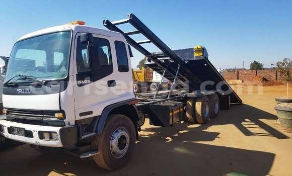 Buy Used Isuzu Florian White Car in Mbabane in Manzini