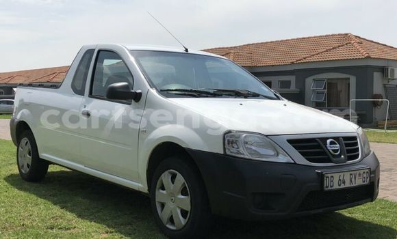 Buy Used Nissan NP 300 White Car in Hluti in Shiselweni District