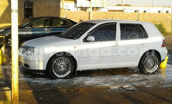 Buy Used Volkswagen Golf White Car in Siteki in Swaziland