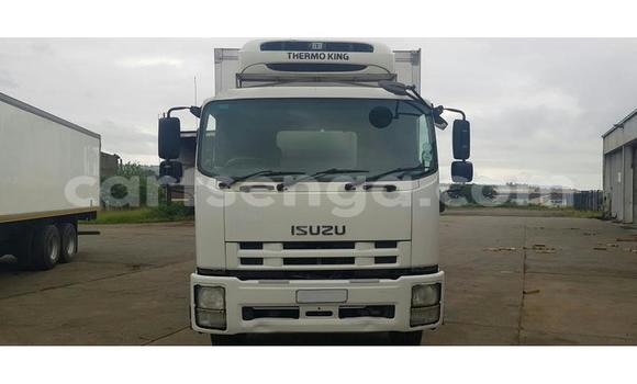 Acheter Occasion Utilitaire Isuzu FTR 850 Blanc à Hlatikulu, Shiselweni District