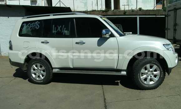 Buy Mitsubishi Pajero White Car in Mbabane in Swaziland