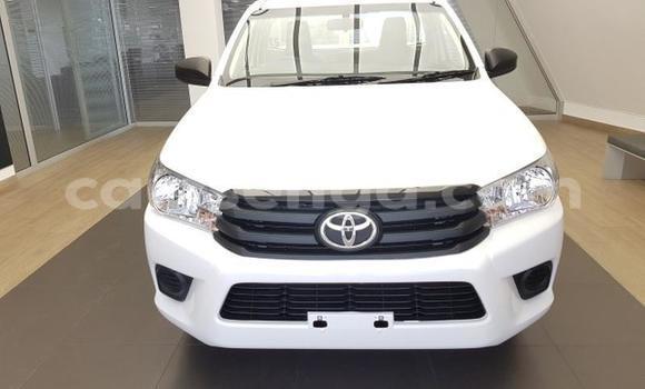 Buy Used Toyota Hilux White Car in Manzini in Manzini