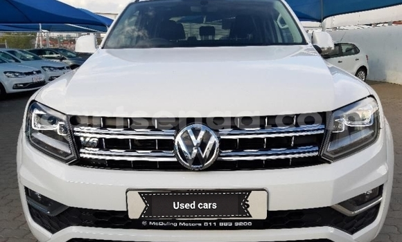 Buy Used Volkswagen Amarok White Car in Big Bend in Lubombo District