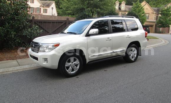 Buy Used Toyota Land Cruiser White Car in Manzini in Swaziland