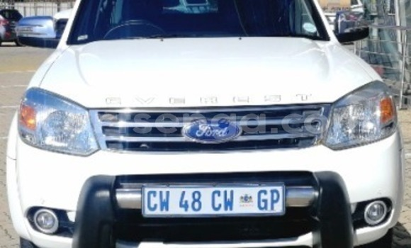 Buy Used Ford Everest White Car in Bhunya in Manzini