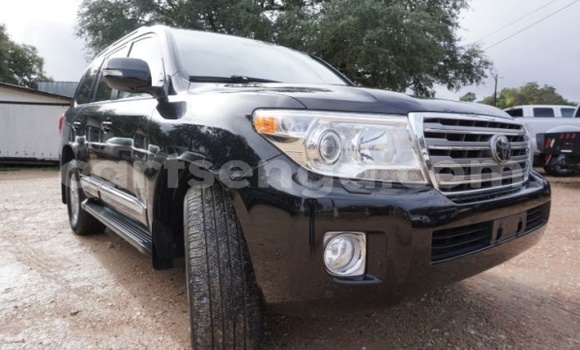 Buy Used Toyota Land Cruiser Black Car in Big Bend in Lubombo District