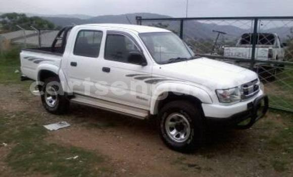 Buy Used Toyota Pickup White Car in Manzini in Swaziland