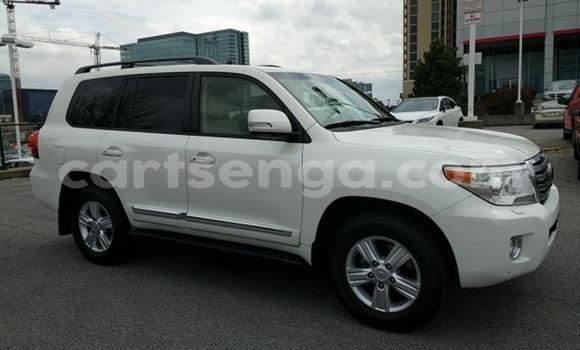 Buy Used Toyota Land Cruiser White Car in Import - Dubai in Hhohho