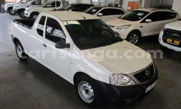 Buy Used Nissan NV200 White Car in Bhunya in Manzini