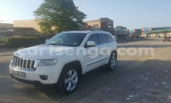 Buy Used Jeep Grand Cherokee White Car in Manzini in Swaziland
