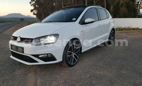 Buy Used Volkswagen Polo White Car in Import - Dubai in Hhohho