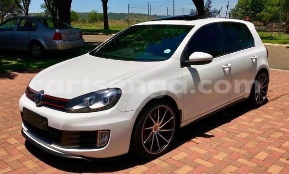 Buy Used Volkswagen Golf GTI White Car in Import - Dubai in Hhohho