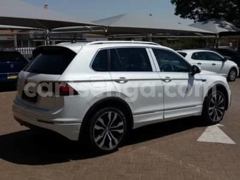 Big with watermark 2015 volkswagen tiguan 3