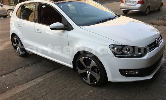 Nunua Ilio tumika Volkswagen Polo White Gari ndani ya Manzini nchini Manzini