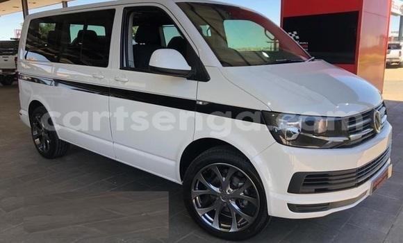 Buy Used Volkswagen Transporter White Car in Ezulwini in Hhohho