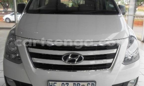 Buy Used Hyundai H1 White Car in Bhunya in Manzini