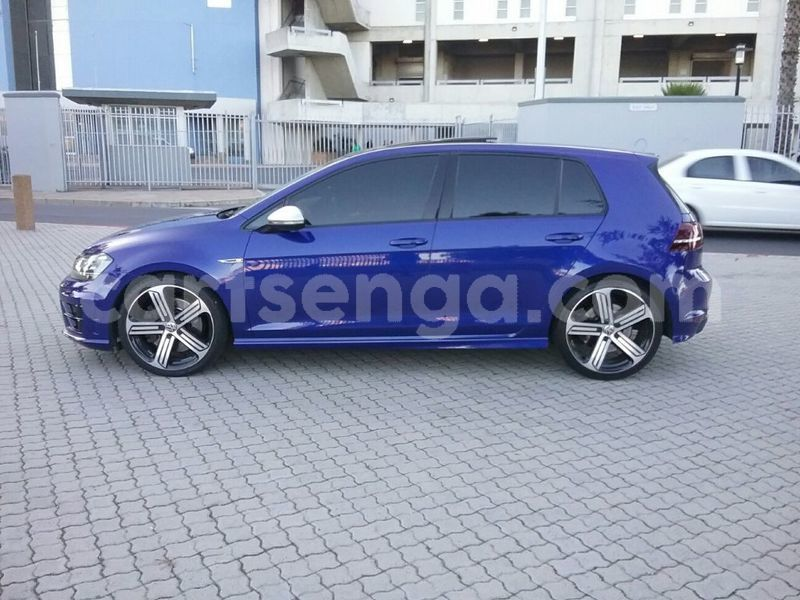 Big with watermark 2014 volkswagen golf 4