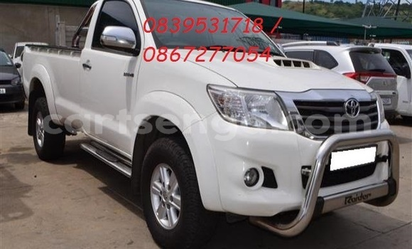 Medium with watermark 2014 toyota hilux 3.0 d 4d raider 1