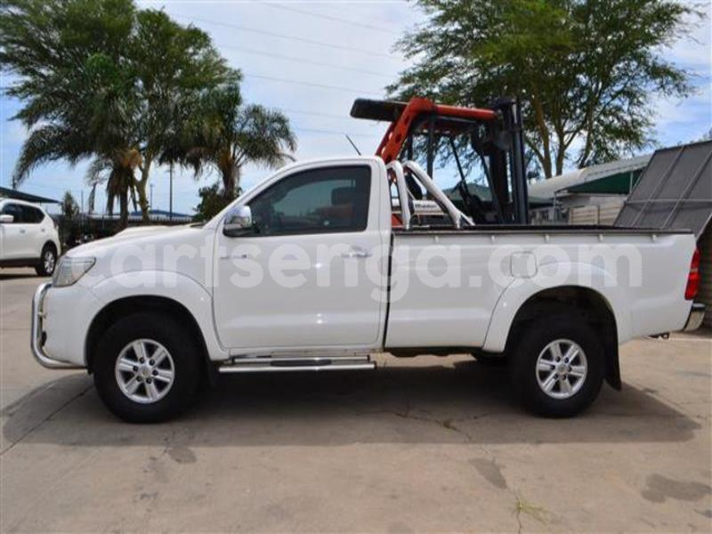 Big with watermark 2014 toyota hilux 3.0 d 4d raider 4