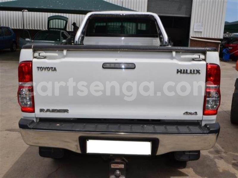Big with watermark 2014 toyota hilux 3.0 d 4d raider 6
