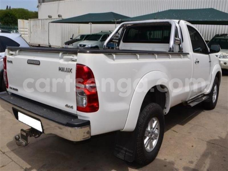 Big with watermark 2014 toyota hilux 3.0 d 4d raider 7