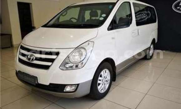 Buy Used Hyundai H1 White Car in Manzini in Manzini