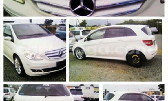 Buy Used Mercedes‒Benz A-Class White Car in Manzini in Swaziland