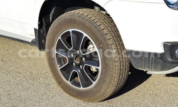 Buy Import Renault Duster White Car in Import - Dubai in Hhohho