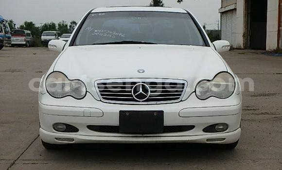 Buy Used Mercedes‒Benz C-Class White Car in Manzini in Swaziland