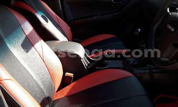 Buy Used Isuzu KB Brown Car in Ezulwini in Hhohho