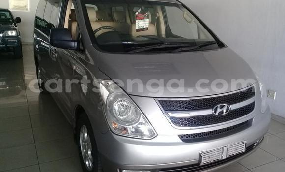 Buy Used Hyundai H1 Silver Car in Mbabane in Manzini