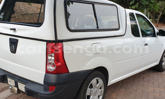 Buy Used Nissan NP 300 White Car in Mbabane in Manzini