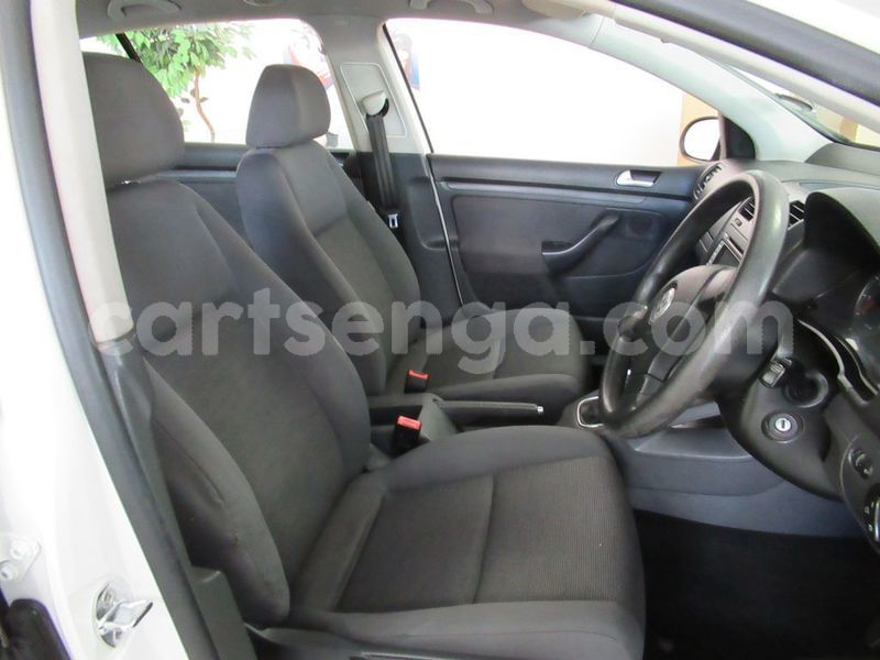 Big with watermark used volkswagen golf v 2407033 8