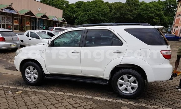 Buy Used Toyota Fortuner White Car in Manzini in Manzini