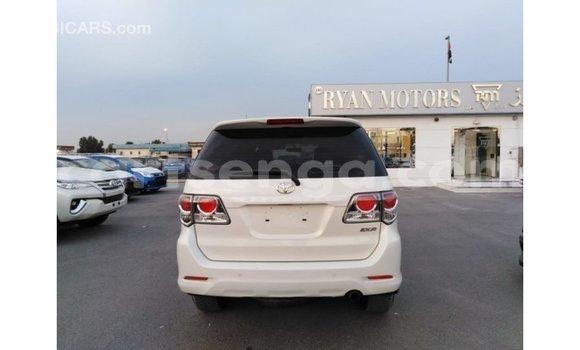 Nunua Imported Toyota Fortuner White Gari ndani ya Import - Dubai nchini Hhohho