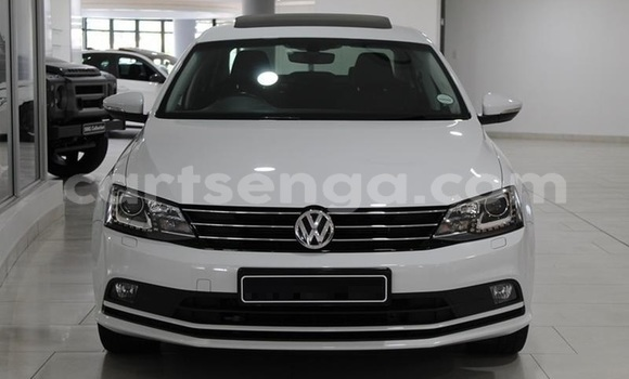 Buy Used Volkswagen Jetta White Car in Mbabane in Manzini