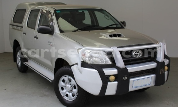 Buy Used Toyota Hilux Silver Car in Bhunya in Manzini