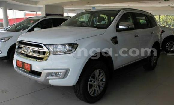 Buy Used Ford Everest White Car in Mbabane in Manzini