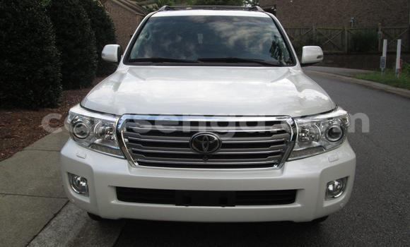 Buy New Toyota Land Cruiser White Car in Nhlangano in Swaziland