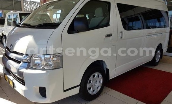Buy Used Toyota Hiace White Car in Manzini in Manzini