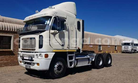 Buy Used Caterpillar 120 White Truck in Mbabane in Manzini