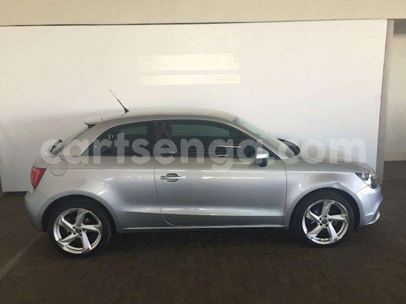 Big with watermark audi a1 4