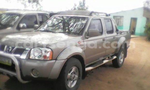 Buy Used Nissan Navara Silver Car in Manzini in Swaziland
