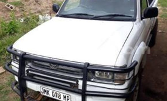 Buy Used Toyota Hilux White Car in Matsapha in Manzini