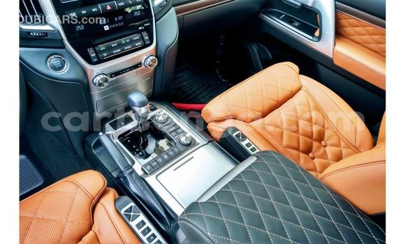 Nunua Imported Toyota Land Cruiser Black Gari ndani ya Import - Dubai nchini Hhohho
