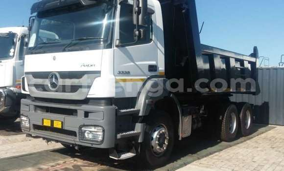 Buy Used Mercedes‒Benz 3331 White Truck in Mbabane in Manzini