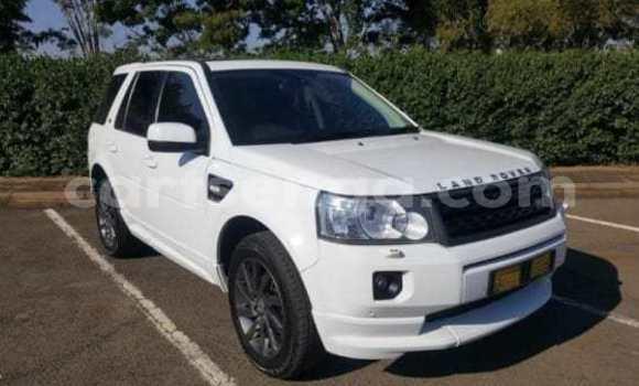 Buy Used Land Rover Freelander White Car in Mbabane in Manzini