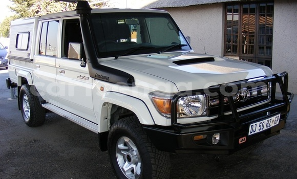 Buy Used Toyota Land Cruiser Brown Car in Mbabane in Manzini