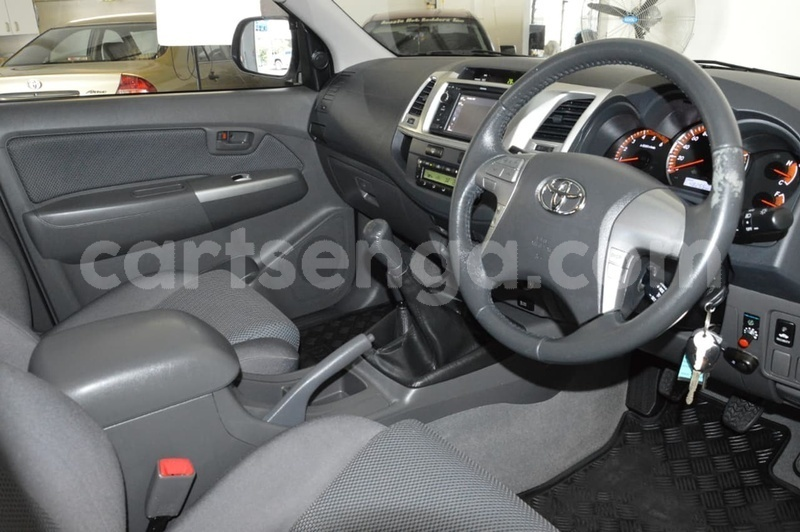 Big with watermark 2013 toyota hilux used 492 u36090 8