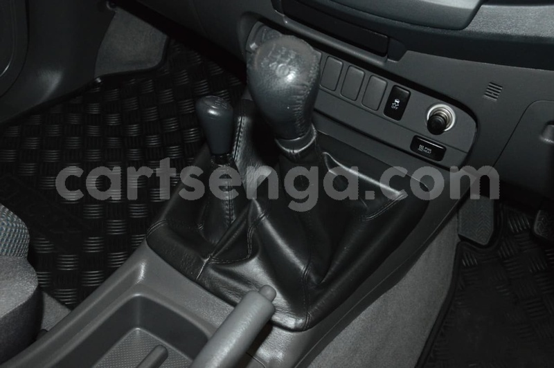 Big with watermark 2013 toyota hilux used 492 u36090 12